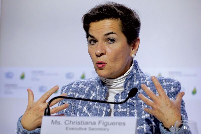 Draft climate deal plagued by weak wording as deadline looms