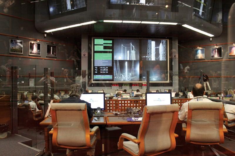 Pathfinder blasts off to look for Einstein's gravitational waves