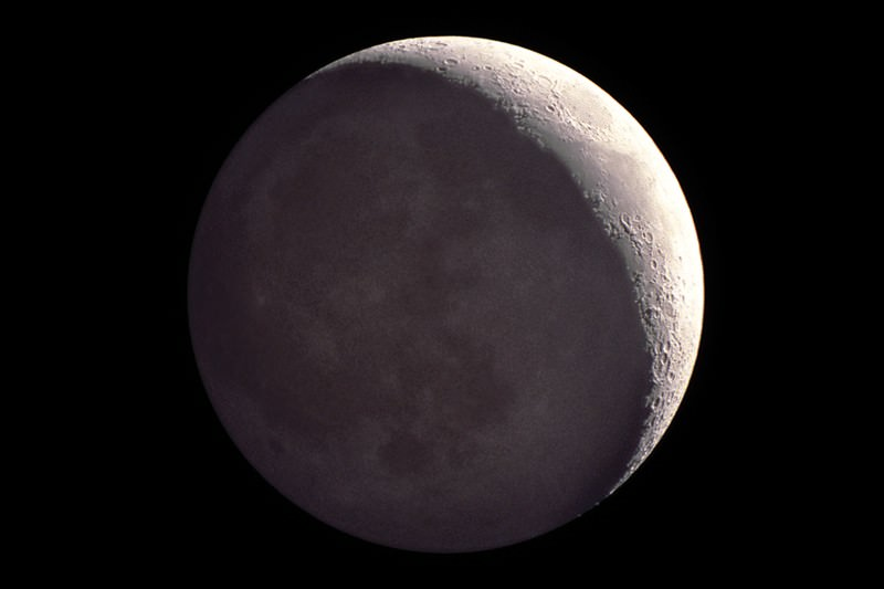 Solar system mysteries: Could we live on the moon?