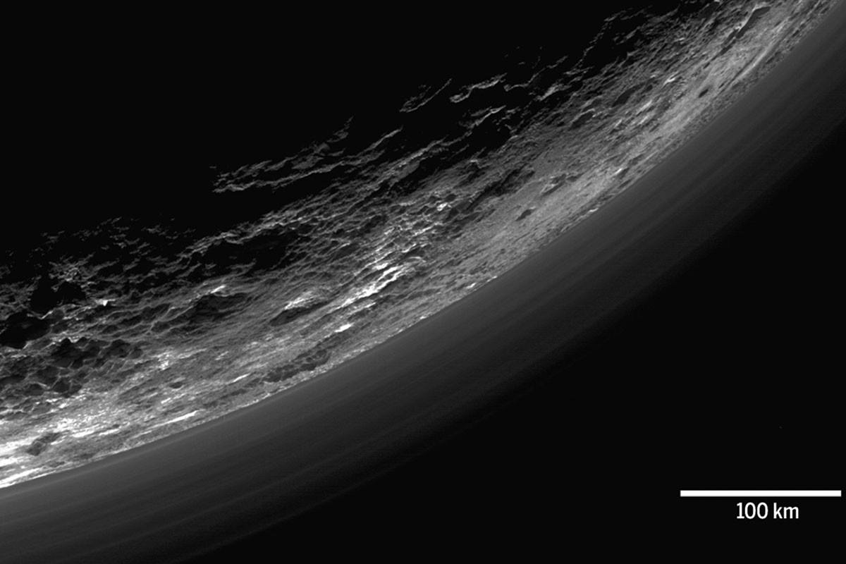 pluto1HR-atmosphere