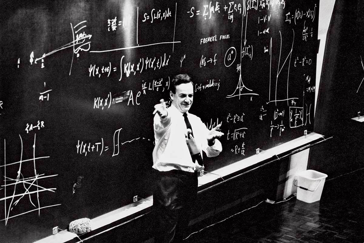 https://d1o50x50snmhul.cloudfront.net/wp-content/uploads/2016/04/h4060208-richard_feynman_theoretical_physicist-1200x800.jpg
