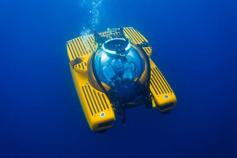 Submersible underwater
