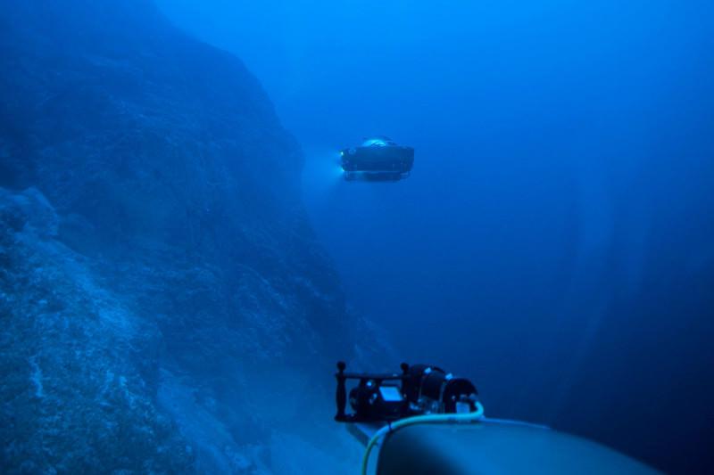 Submersibles underwater