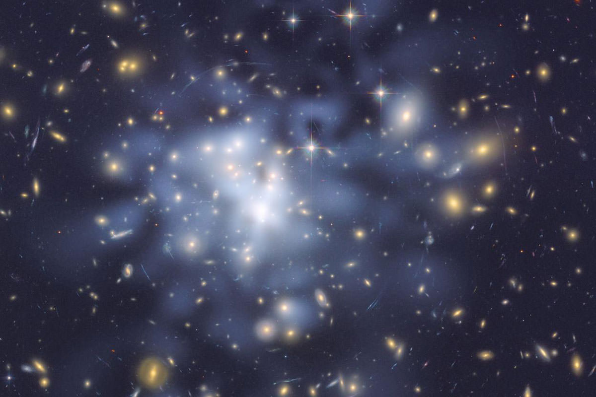 Hubble Space Telescope image of the galaxy cluster Abell 1689