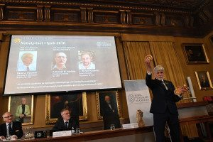 The announcement of the 2016 Nobel Prize in Physics