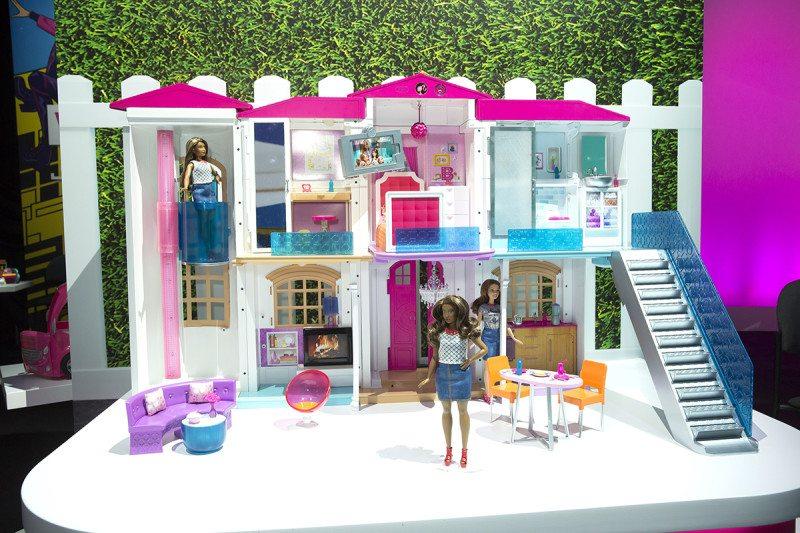 Smart dolls' house