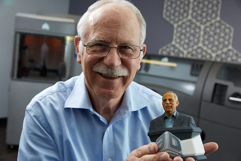Don 39 t give up the inventor of 3d printing tells his story for Who invented the 3d printer