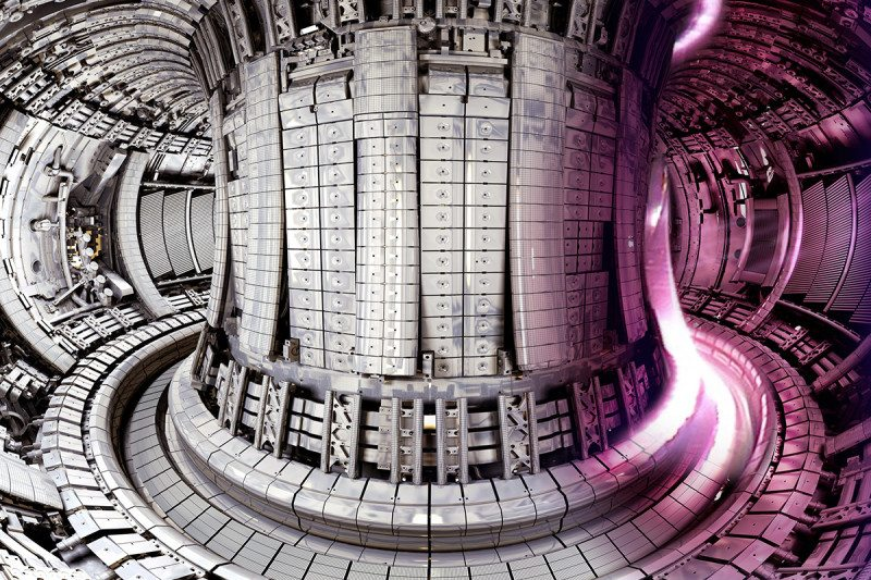 Inside of fusion reactor JET, showing a purple plasma on the right