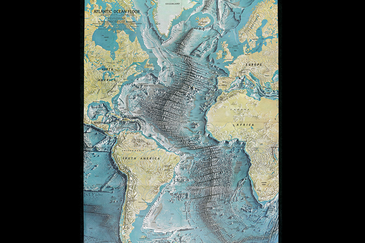 Maps and the 20th century where to draw the lines new scientist atlantic ocean floor home to part of earths longest mountain range gumiabroncs Images