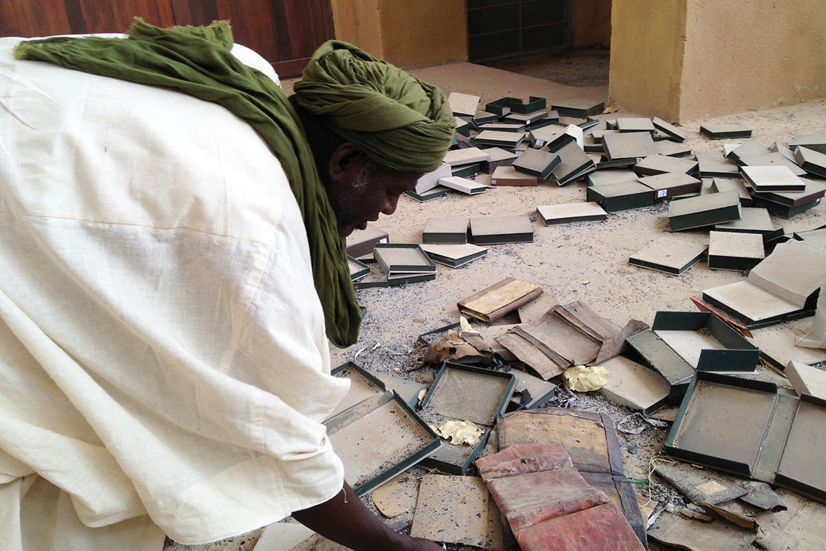 Emergency in Mali as looters are plundering ancient treasures