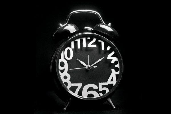 Analogue alarm clock