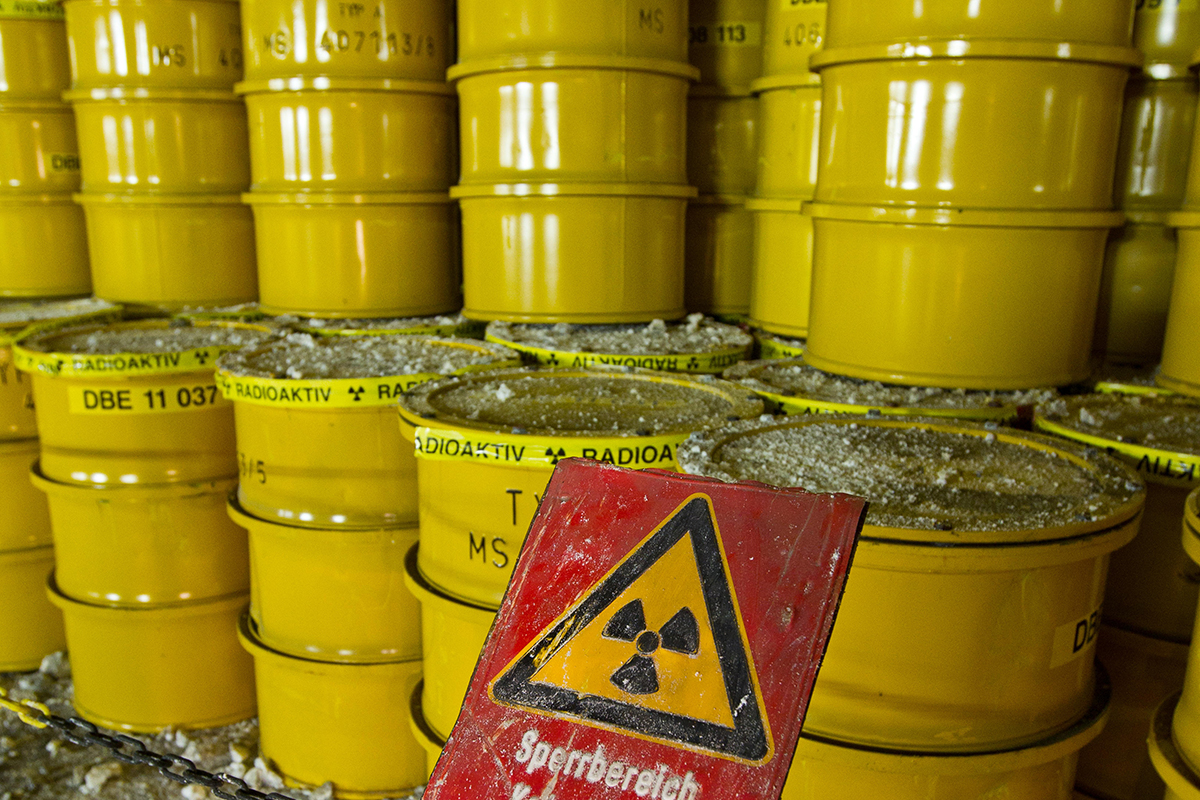 Waste-munching bacteria could make nuclear stores safer ...