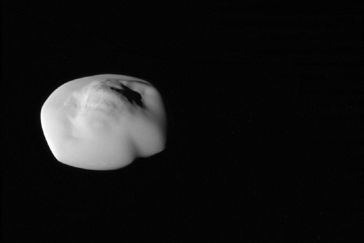 Saturn's flying saucer moon Atlas has a smooth fluffy edge