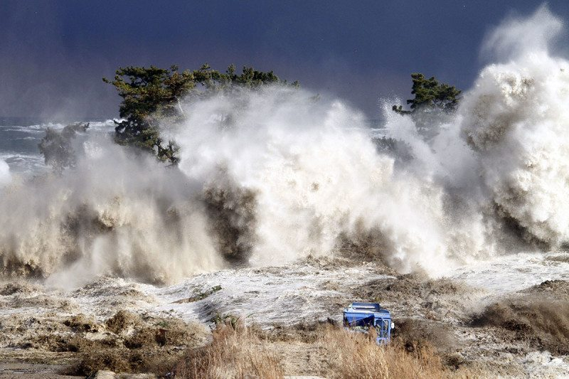 Seabed seismic sensors would have cut 2011 Japan tsunami toll ...