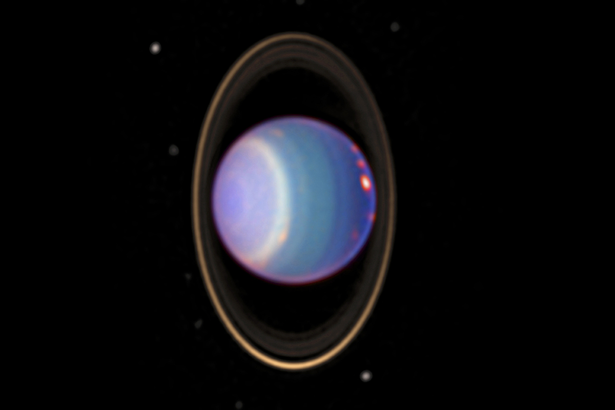Uranus's crooked, messy magnetic field might open and shut daily