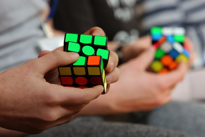 turning green squares to solve a Rubick's cube