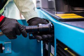 Refuelling hydrogen vehicle