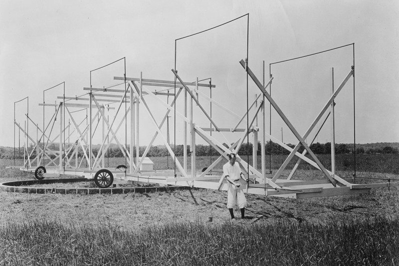 Jansky and his directional radio aerial system