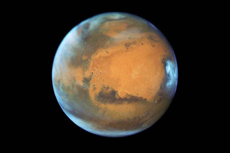 New climate model suggests turbulent snowstorms on Mars at night