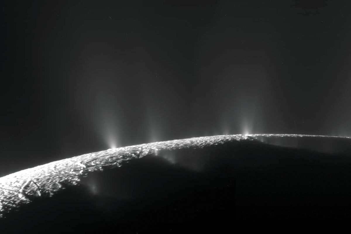 Astronaut wee could show us how the plumes on Enceladus work