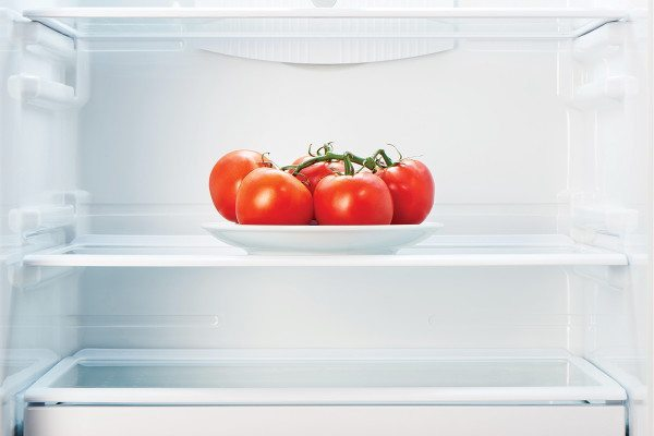 tomatoes in fridge