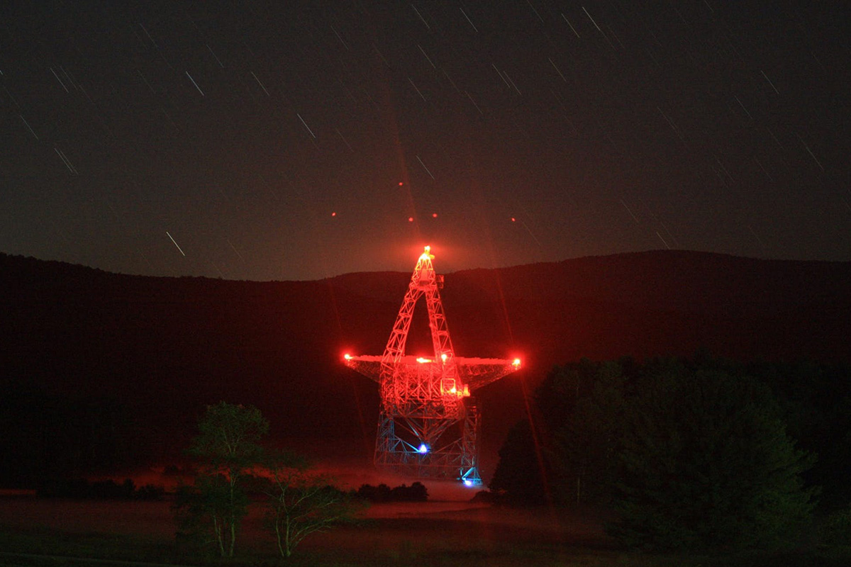 Astronomers Trace Radio Burst to Extreme Cosmic Neighborhood