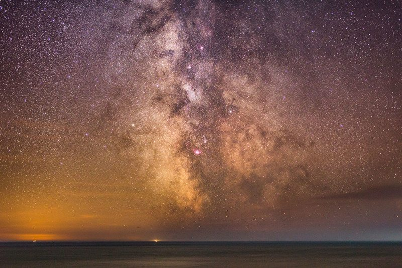 The dark matter halo surrounding our galaxy might look like the Milky Way