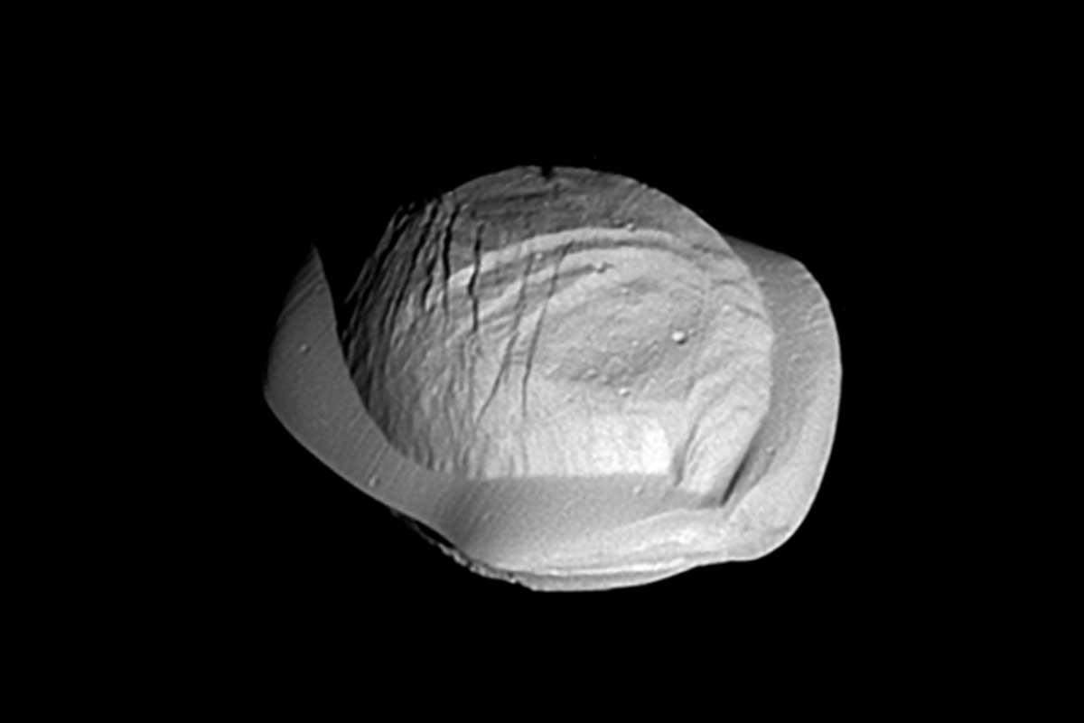 Why Saturn's inner moons look like ravioli, cigars and potatoes