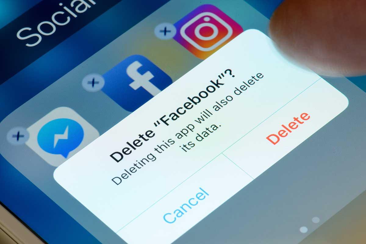 "Service message: ""Delete Facebook?"""