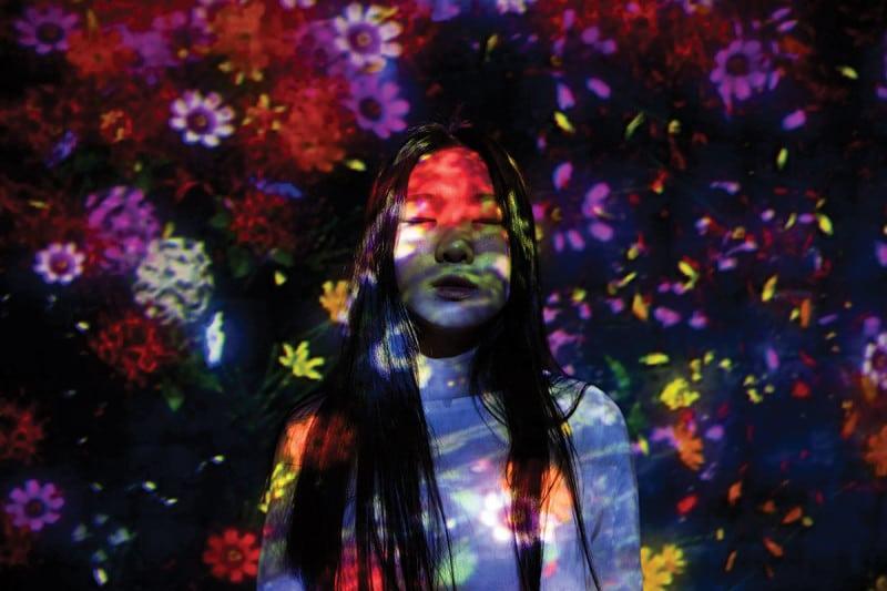 girl in lights